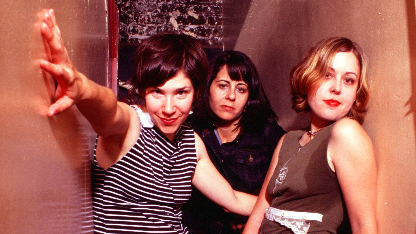 Loner Magazine - Sleater-Kinney Takes the Palladium